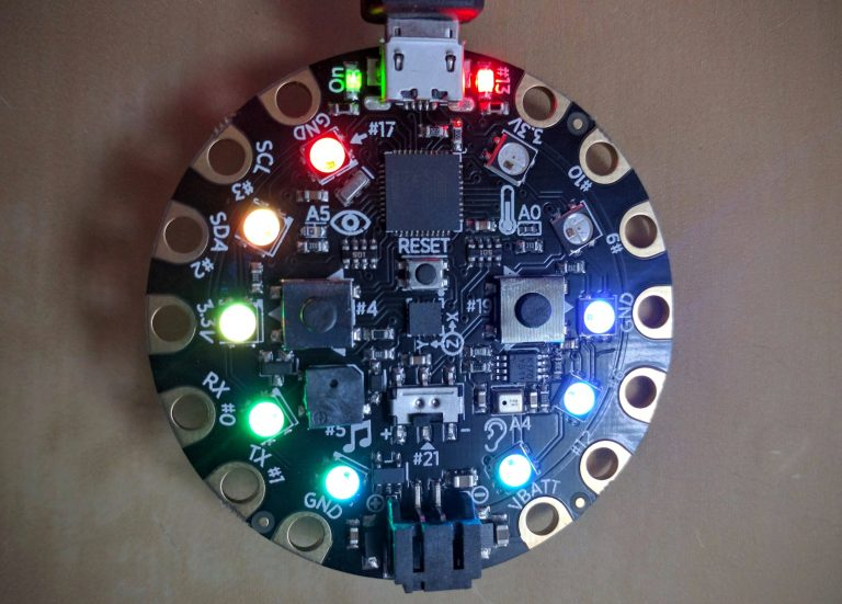 Adafruit - Circuit Playground Dev. Ed. - Arduino Compatible